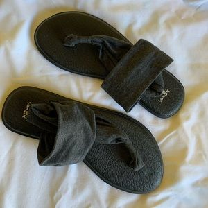 Women's Sanuk Yoga Sling Sandal—size 9